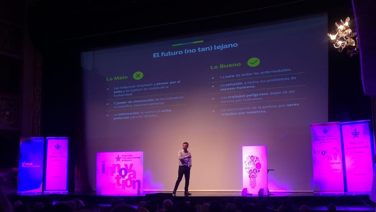 """Máximo Cavazzani, creador del exitoso juego """"Preguntados"""" fue uno de los oradores de la jornada"""